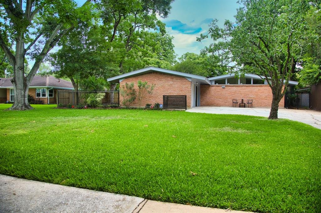 5507 Willowbend Boulevard, Houston, Texas 77096, 3 Bedrooms Bedrooms, 9 Rooms Rooms,2 BathroomsBathrooms,Single-family,For Sale,Willowbend,4484698