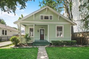 710 E 10th 1/2 Street, Houston, TX 77008