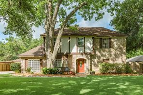 201 Huckleberry Drive, Lake Jackson, TX 77566