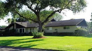 1533 19th Avenue N, Texas City, TX 77590
