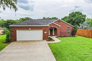 207 Wentworth Drive, West Columbia, TX 77486