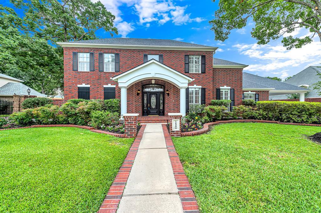 14306 Harvest Glen Court, Houston, Texas 77062, 4 Bedrooms Bedrooms, 11 Rooms Rooms,3 BathroomsBathrooms,Single-family,For Sale,Harvest Glen,76873532