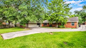 7706 Lakewind