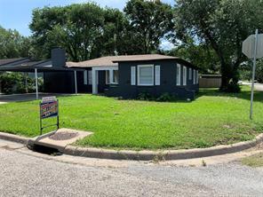 1311 Alvin, El Campo, TX, 77437