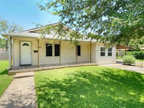 1006 Maple, Clute TX 77531