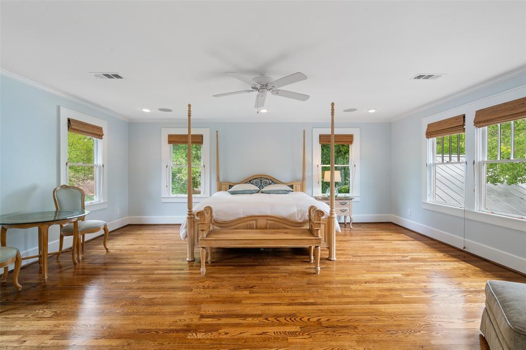 The master bedroom is surrounded by nature, which gives this secluded retreat a