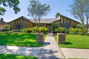 1111 Woodhorn, Houston TX 77062