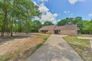 513 Hickory Creek Road, Bellville, TX 77418