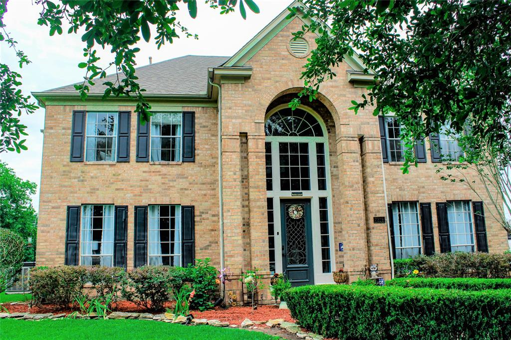 Are you looking for the perfect home in a great community?   Look no further because you just found it. The listing is for a two story home (approx. 4000 feet) in Briddlewood Estates just outside of Sugarland off of 59 hwy and Crab River Rd. You can be in Sugarland in 5-10min, downtown Houston in 20-30 minutes but still have a country peaceful setting. The home sits on approximately 1.171 acres with a beautiful pool (with a rock fountain), 3 car garage, large storage barn and this home was newly remodeled!  Additional great details:  -Newly remodeled home with: farm sink, refinished cabinets, new stainless steel appliances, walk in pantry, wood and granite counter tops, new laminate floors, large game room, large office area (or you could use either of them for whatever would like), new AC unit, 2 year old roof, 2 x gas fireplaces, electric gate for home privacy, large barn for storage, large beautiful master bedroom with HUGE bathroom (with walk in tile shower) and much more!