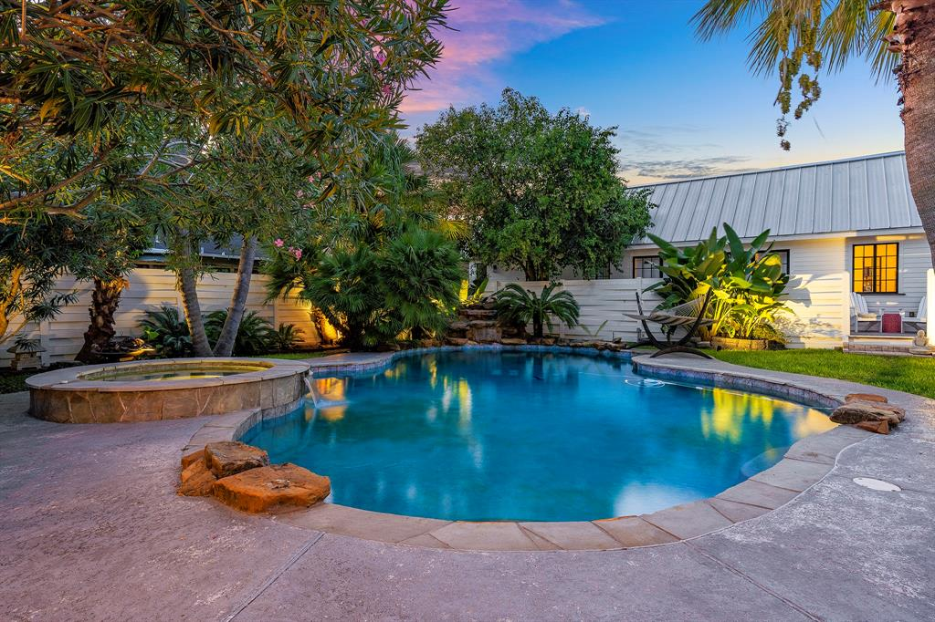 BEAUTY HAS BEEN CAPTURED IN THIS 1920'S HISTORICAL GEM! WHAT ARE YOU WAITING FOR? LOCATED IN THE HEART OF THE CITY,WITH A BACKYARD TROPICAL OASIS WAITING FOR PEACEFUL ENJOYMENT. THIS HOME SITS ON AN OVERSIZED LOT THAT MUST BE SEEN TO APPRECIATE WITH TONS OF PRIVACY, SPECTACULAR POOL/SPA, COMPLETE OUTDOOR KITCHEN & SO MUCH MORE. WITH ORIGINAL HARD WOOD FLOORING THROUGHOUT THIS 4 BEDROOM,3 FULL BATH HOME HAS ALL THAT YOU COULD WANT & IS THE PERFECT PLACE TO ENTERTAIN BOTH INDOORS & OUT. OLD WORLD CHARM FLOWS WITH PLENTY OF NATURAL SUNLIGHT, CUSTOM WINDOW COVERINGS & A KITCHEN THAT ANY CHEF WOULD APPRECIATE.  BUILT IN, CUSTUM BOOK CASE, WOOD BURNING FIREPLACE IN LIVING AREA & GAS FIREPLACE IN FAMILY ROOM.  YOU'LL LOVE THE DUTCH ANGLES & WELL DESIGNED ARCHITECTURAL FEATURES BOASTING THROUGHOUT.  PRIDE OF OWNERSHIP BEAMS IN THIS ONE.  VERY NEAR SCHOOLS, GREAT SHOPPING, RESTAURANTS & MONTROSE/MIDTOWN NIGHTLIFE. SCHEDULE YOUR APPT. TODAY AND CALL IT YOUR OWN SLICE OF PARADISE TOMORROW!!!