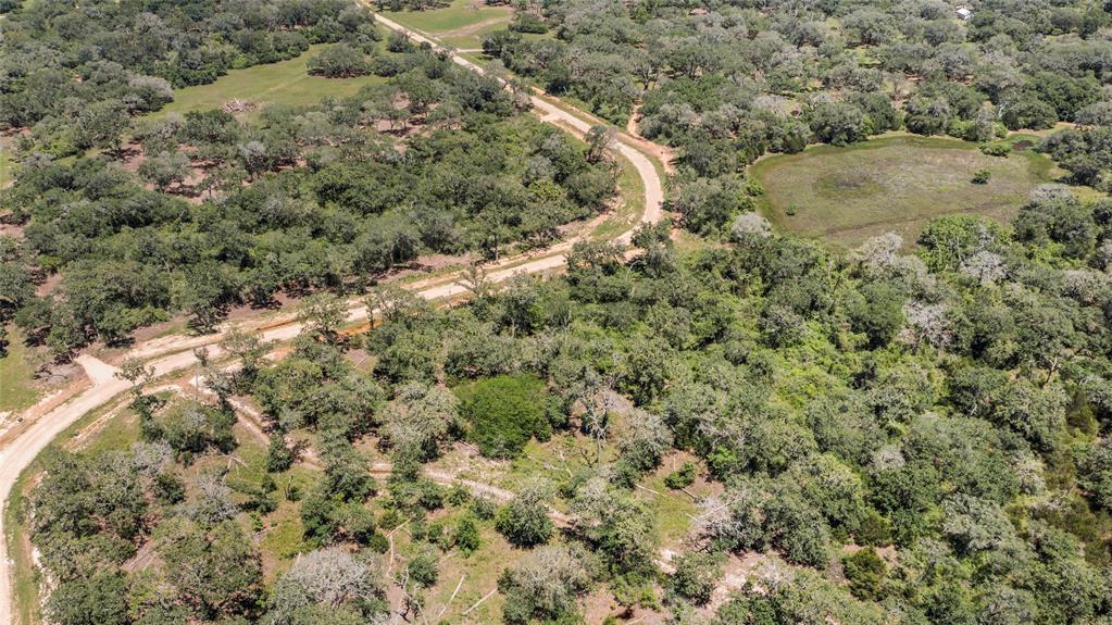 1762 Frelsburg Road, Alleyton, TX 78935