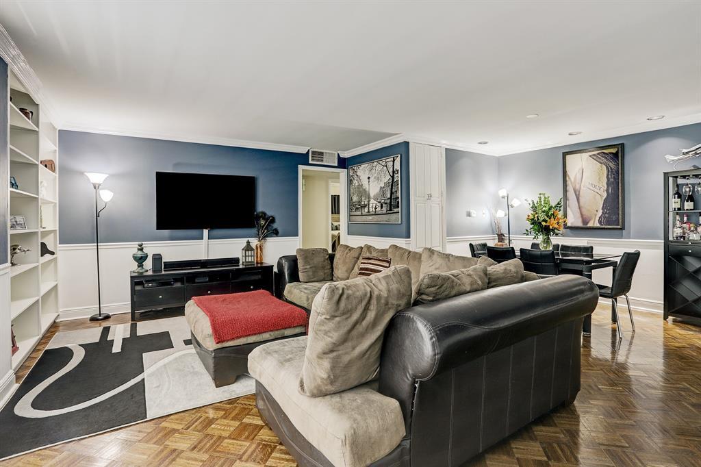 3614 Montrose Boulevard, Houston, Texas 77006, 2 Bedrooms Bedrooms, 5 Rooms Rooms,2 BathroomsBathrooms,Mid/hi-rise Condo,For Sale,PARC IV,Montrose,68659871