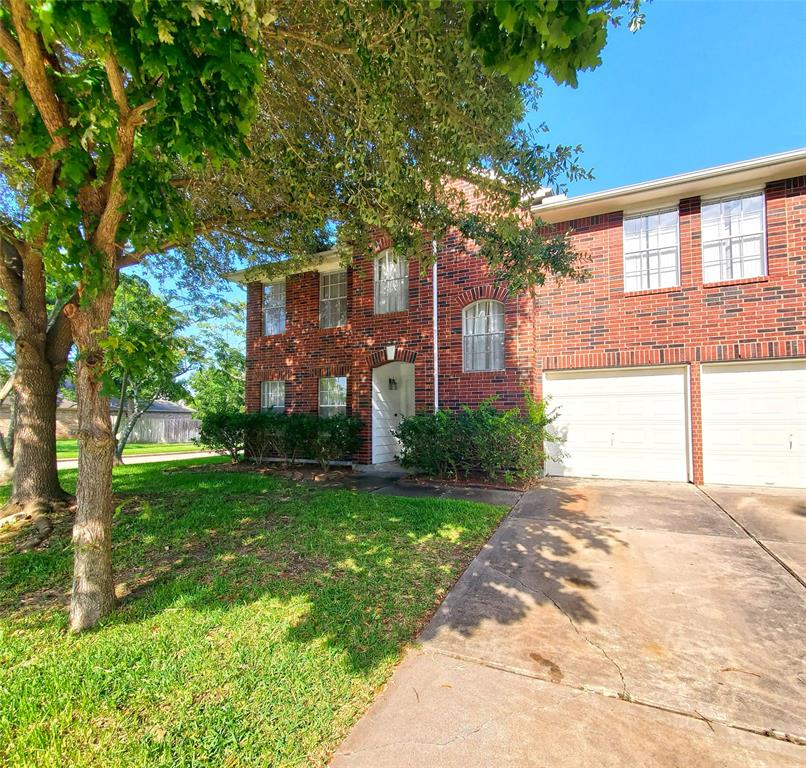 17103 Canterbury Green Court, Sugar Land, Texas 77498, 3 Bedrooms Bedrooms, 7 Rooms Rooms,2 BathroomsBathrooms,Rental,For Rent,Canterbury Green,31435769
