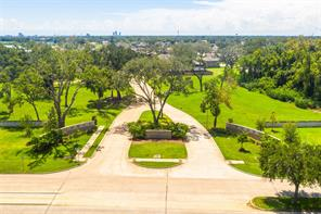 418 Bentwood, Clute, TX, 77531
