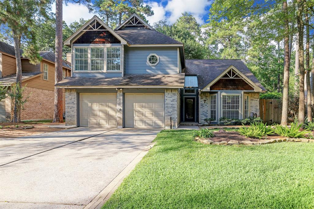 Located in the heart of The Woodlands, this charming home sits on a cul-de-sac street and is within walking distance to restaurants, park and superb schools. Providing lovely curb appeal, fine home offers luscious landscaping, water heater replaced 2018, French drains, SS appliances, new washer & dryer, recently replaced A/C condenser, coils, & motor. Light and bright with a wall of windows, the dine-in, island kitchen opens to a spacious living area with exposed beams, brick fireplace, soaring ceilings, wet bar & half bath! Master bed down boasts high ceilings, dual sinks and walk-in closet. With 3 sizable beds up, one can be used as a game room/ flex room. Backyard is spacious and private with a deck great for relaxing. Updates include: Professional tree removal & trimming, hardscapes, new sod and landscaping, decking replaced & sealed, and fresh interior & exterior paint (2020).  Low tax rate. Exemplary Woodlands schools, including highly-acclaimed David Elem & College Park High.