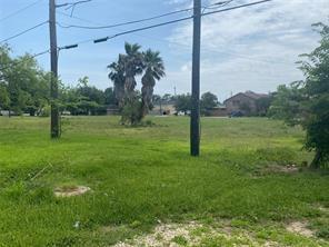 330 Bayside Drive, La Porte, TX 77571