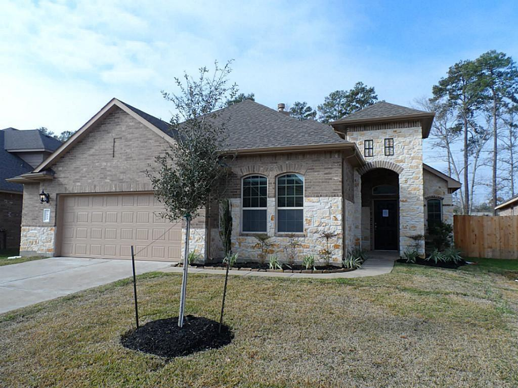 Beautiful D.R. Horton 4 bedrooms home with a stone and brick elevation,  The Kitchen is equipped w/ Built-In Steel Appliances (Double Ovens, Microwave, Cook Top & DW). Lot of upgrades.. Full sprinkler system. Zone to High ranked Klein ISD. French elementary school within walking distance.Highly acclaimed Klein ISD schools with areas only high school IB Program!