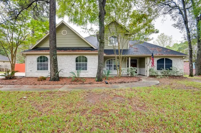 Make this charming 4 bedroom 2 bathroom house your new home! This home features a bright and spacious kitchen and dining room perfect for entertaining! The inviting living room offers ample room to enjoy an evening in or take your night outside to relax on back patio! Huge yard!