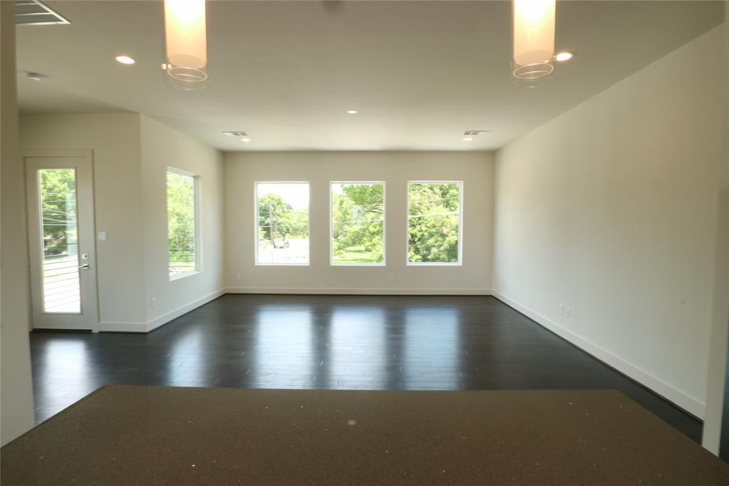 2102 Live Oak Street, Houston, Texas 77003, 3 Bedrooms Bedrooms, 3 Rooms Rooms,3 BathroomsBathrooms,Rental,For Rent,Live Oak,79666263
