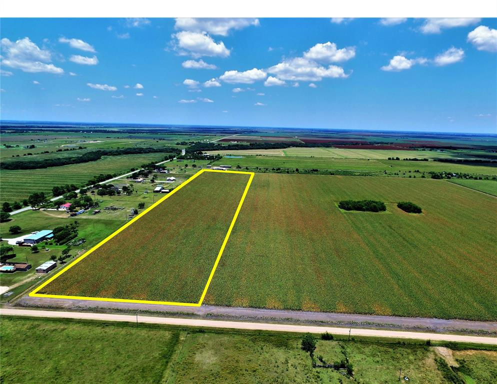 Come build your dream country home and bring your horses or cattle on this 20.48 acre tract ag exempt property! Property has a nice rectangular shape and is currently being leased for farming. Just a little over 10 minutes from El Campo city limits. This property is a blank canvas waiting for you to paint your own masterpiece ranchette! Quiet peaceful living but close enough to the modern conveniences. Come take a tour of this quiet country oasis!!