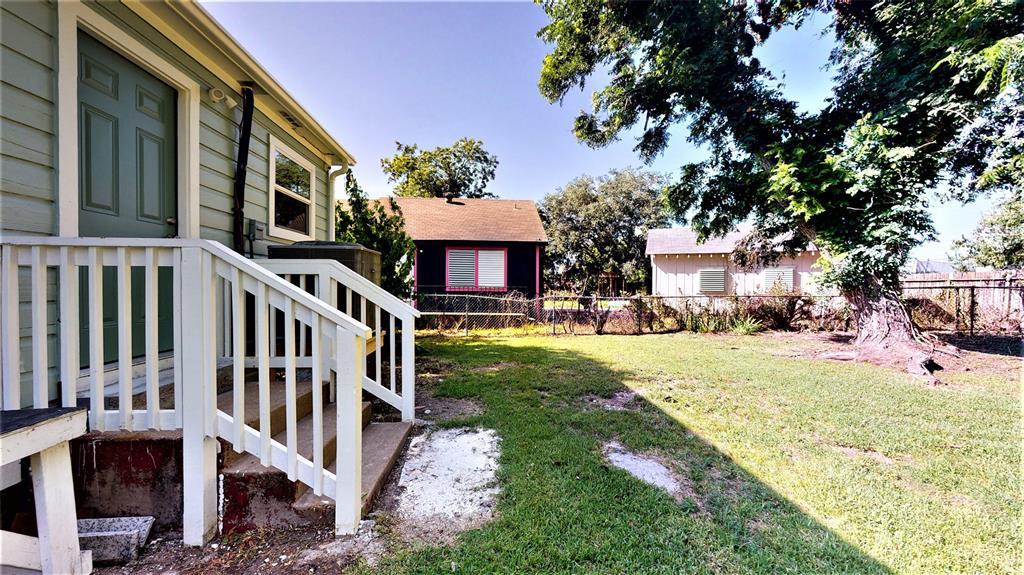 121 Edgar, La Marque, Texas 77568, 3 Bedrooms Bedrooms, 9 Rooms Rooms,2 BathroomsBathrooms,Single-family,For Sale,Edgar,13302740
