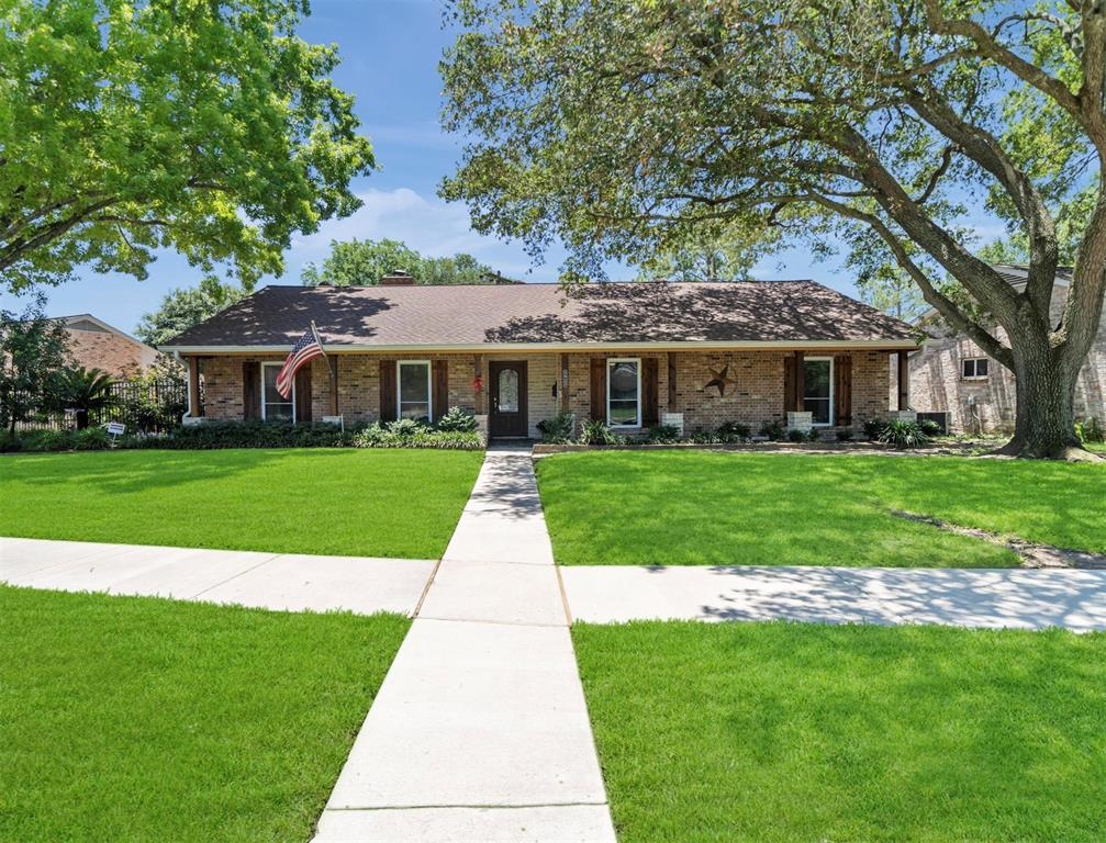 5927 Belrose Drive, Houston, Texas 77035, 4 Bedrooms Bedrooms, 10 Rooms Rooms,2 BathroomsBathrooms,Single-family,For Sale,Belrose,66568987
