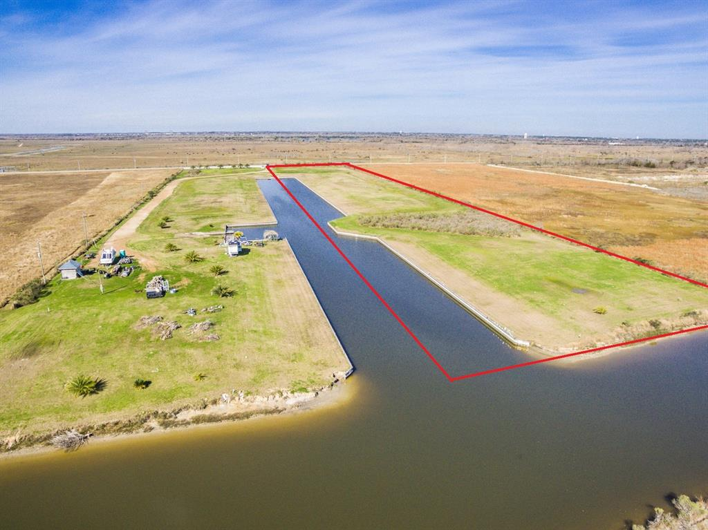 8225 Harbor Drive Drive, Hitchcock, TX 77563