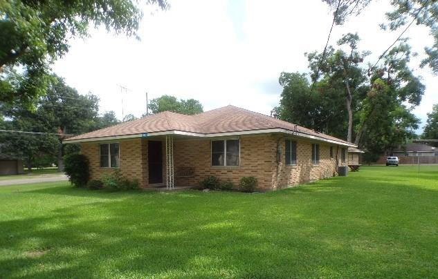 WOW, YOU WIL WANT TO SEE THIS ONE, LARGE ONE STORY ON TREE FILLED CORNER LOT, LOT IS .43 ACRES AND