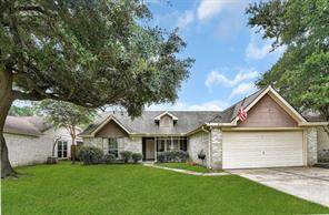 815 Cambridge Drive, Highlands, TX 77562