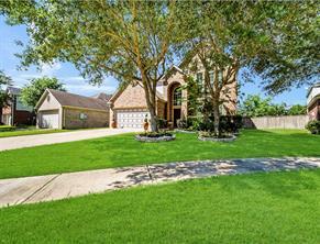 9135 Stoneleigh Drive, Sugar Land, TX 77479