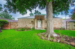 9902 Antrim, La Porte, TX, 77571