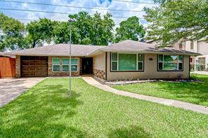4804 Saxon, Bellaire, TX, 77401