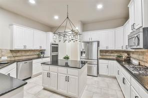 3 Blue Wildflower Place, The Woodlands, TX 77354