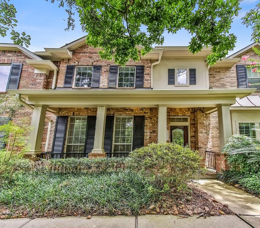 Great Townhouse very close to the park; close to Alden Bridge shopping center. 3 Bedrooms, 2.5 baths. SS appliances, granite countertops, formal dining, large master suite with master bathroom. 2 car garage. Zoned to the highly acclaimed Woodlands schools.