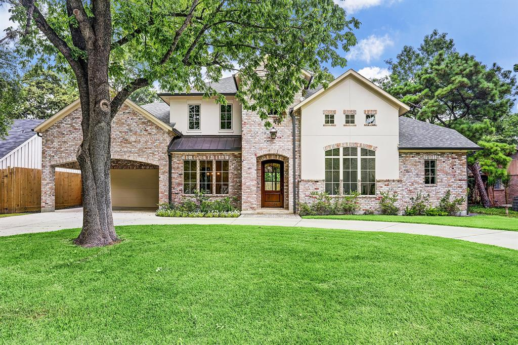 Completed new construction by Fidae Custom Homes, LLC designed by award winning designer,Todd Rice. Gracious formals (Dining room & Living room/Library) flag the 2-story entry with gleaming variegated width hardwood floors, open floor plan including Primary Bedroom suite down plus additional bedroom suite down. Family room is anchored by imported French limestone fireplace surround and a wall of windows viewing the backyard w/covered patio. Chef's island kitchen opens to the Family & Breakfast Rooms & includes Jenn-Air stainless steel professional style appliances (double convection ovens, 6-burner cook top,refrigerator/freezer, microwave). Primary Bed down w/spa inspired bath-2 walk-in closets, separate shower, double vanities, deep soaking tub. Upstairs includes 2 additional bedrooms w/ en suite baths, game room & walk in floored attic. Mud Room & Utility room down. Minutes from City Centre & Town & Country. Lifestyle living. Per Seller, home is zoned to Memorial HS or Stratford HS.