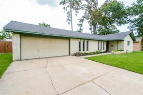 212 Oak Hollow, Conroe TX 77301