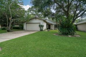 16803 Hibiscus Lane, Friendswood, TX 77546
