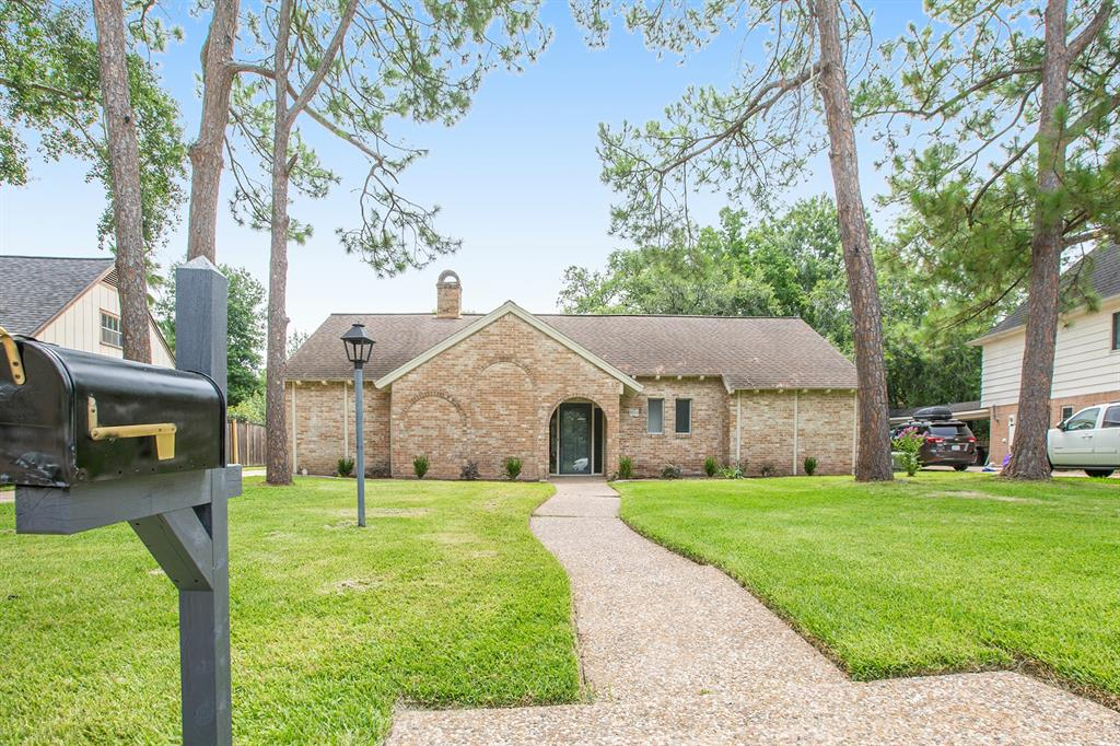 2715 Pebble Beach Drive, Missouri City, Texas 77459, 4 Bedrooms Bedrooms, 9 Rooms Rooms,2 BathroomsBathrooms,Single-family,For Sale,Pebble Beach,37457401