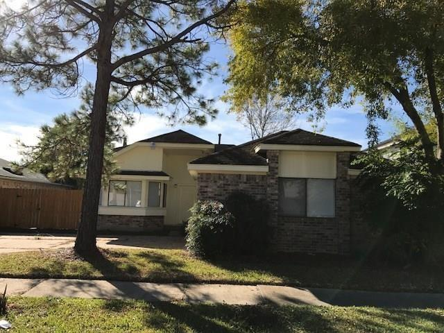 7831 Redgate Circle, Houston, Texas 77071, 3 Bedrooms Bedrooms, 3 Rooms Rooms,2 BathroomsBathrooms,Rental,For Rent,Redgate,2077231