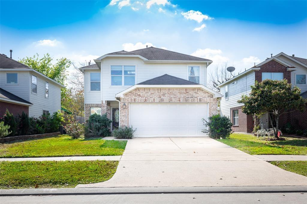 Beautiful two story home located in Post Oak Place boast 3 bedrooms, 2.5 baths, tile throughout the first floor. Large fenced backyard. Close access to Post Oak Rd, ALT 90, and Same Houston Tollway. Easy Commute to work, entertainment, fine dining and shopping.