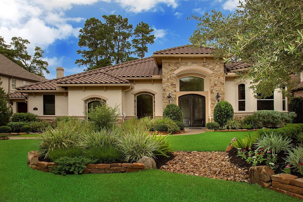 Outstanding and rare one story custom home overlooking the 3rd hole of the Gary Player Golf Course! Impeccably landscaped front and back, soaring ceilings, Plantation shutters, art niches, detailed trim work, incredible storage and abundant windows provide serene golf course views throughout. Open concept kitchen with curved breakfast bar, granite counters, 6 burner gas cooktop, double oven and plenty of stained cabinets opens to the breakfast room and den with wall of windows and gas log fireplace; butler's pantry with wine chiller and storage; formal dining with tray ceiling; light and airy study with built-ins and French doors; sun room off the master retreat could be exercise room, additional study or nursery; 3 spacious secondary bedrooms; 5.5 baths including a full outdoor pool bath! Air conditioned attic room and dog washing or plant room! Backyard oasis features gorgeous pool, spa, 20 foot lanai with outdoor kitchen and with expansive views of the golf course.