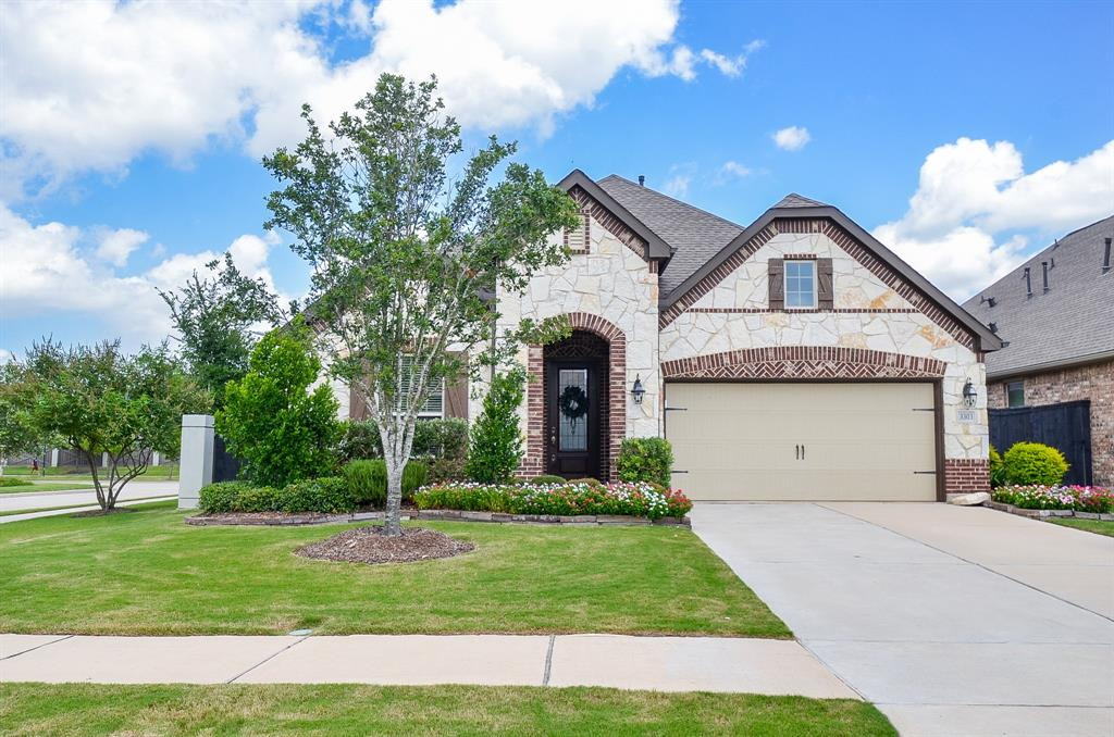 OPEN HOUSE ON SAT 7/11 12-2.  