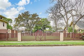 3215 Morrison Street, Houston, TX 77009