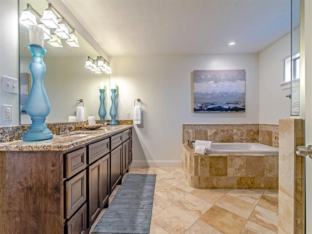 Primary bath with double vanity, soaking tub and, separate shower!