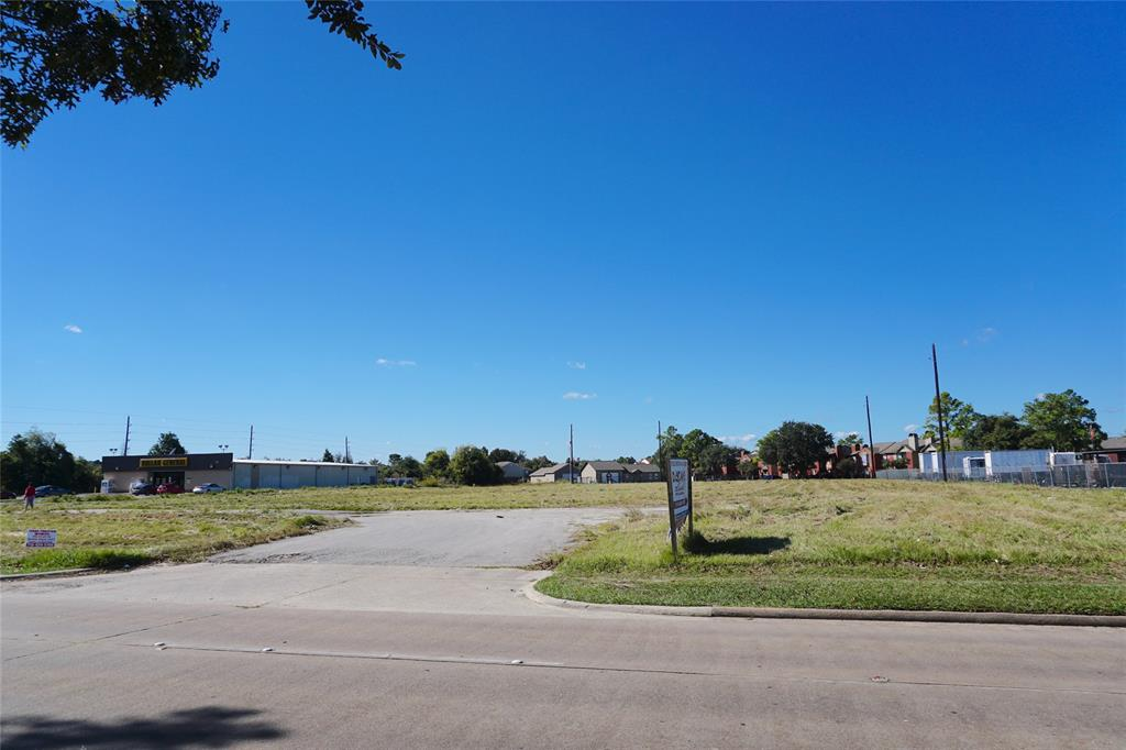 Great location for multifamily or commercial development.  Property has frontage on Ella Blvd. and Dunstan Glen, curb-cuts, a concrete drive and detention.