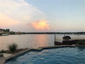 16 Lake Bluff, Montgomery, TX 77356