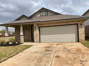 753 Rosewood Lane, Angleton, TX 77515