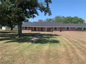 662 County Road 280, Edna, TX 77957