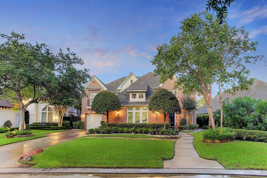 Luxurious living right on the 5th fairway. This exquisite 5 bedroom home w/pool & spa is on a quiet cul-de-sac street in a manned gated section of Royal Oaks Country Club. Filled w/extraordinary decorator touches; soaring ceilings, beautiful wood floors, updated fixtures, incredible views & natural light from oversized windows scattered throughout. Enjoy special occasions in the elegant formal dining room. Large quiet study w/fairway views. Spacious family room w/stacked windows & a beautiful gas-log fireplace is open to the gourmet island kitchen. Gorgeous double-island kitchen w/granite countertops, soft close cabinets & drawers, top of the line SS appliances & more. Posh 1st-floor owner's retreat w/stunning resort, spa-like bath.  On the 2nd-floor find a spacious game room w/4 spacious bedrooms+3 full baths. Backyard paradise w/pool & spa, covered patio, 2nd-floor balcony & stunning views of the golf course. Enjoy golf, tennis, swimming, fitness center & club house. Priced to lease!