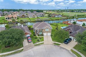434 Twin Timbers Lane, Kemah, TX 77565
